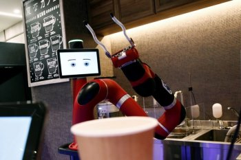 A Robot Barista Debuted in Tokyo